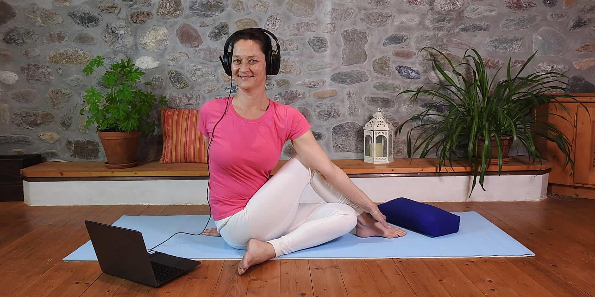 Live Yoga Class Intermediate